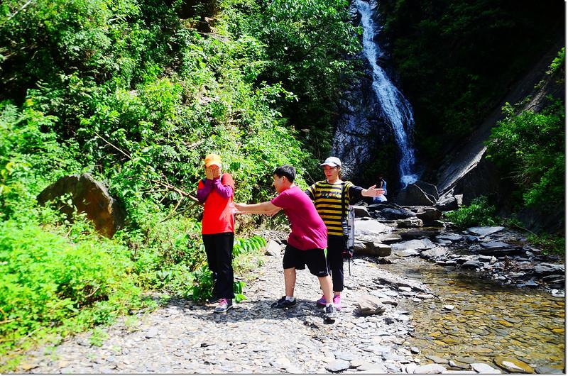 山中流瀑 1