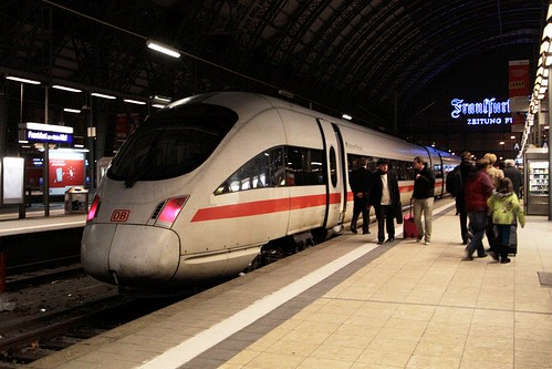 ICE 3 set at Frankfurt am Main Hauptbahnhof