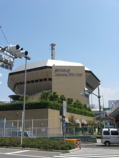 湊町リバープレイスと阪神高速の立体道路 (1)