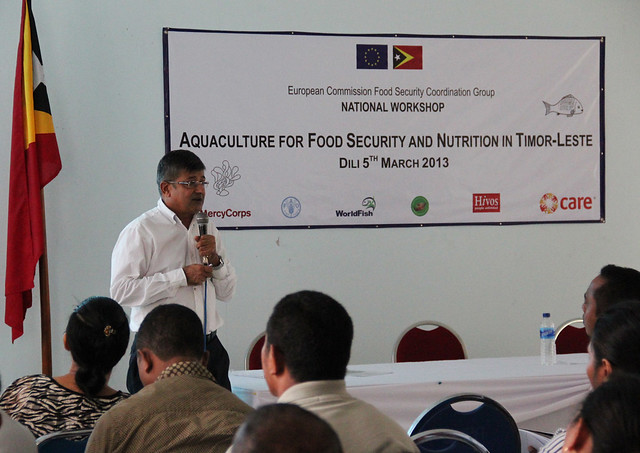 Jharendu Pant speaks about the challenges and opportunities of aquaculture in Timor-Leste. Photo by Holly Holmes.