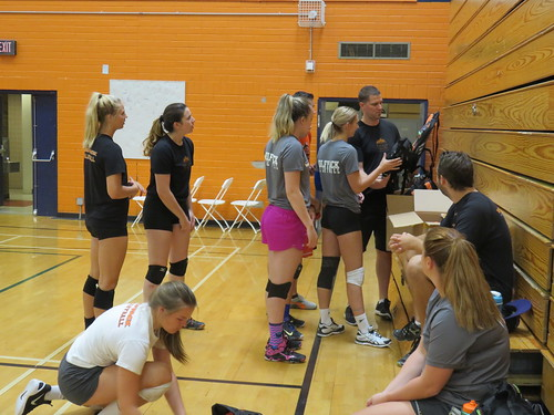 WolfPack Women's Volleyball Travel, Wait And Play Short Exhibition vs Huskies
