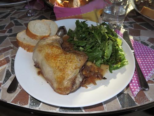 Coq au vin (Hauptgang bei französischem Menue)