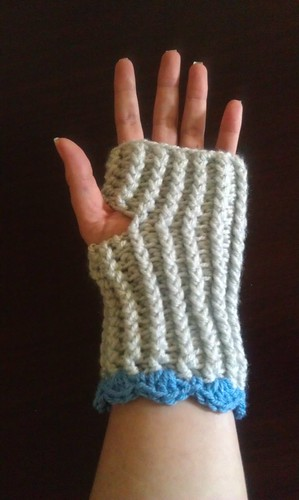 Ribbed Crochet Fingerless Gloves