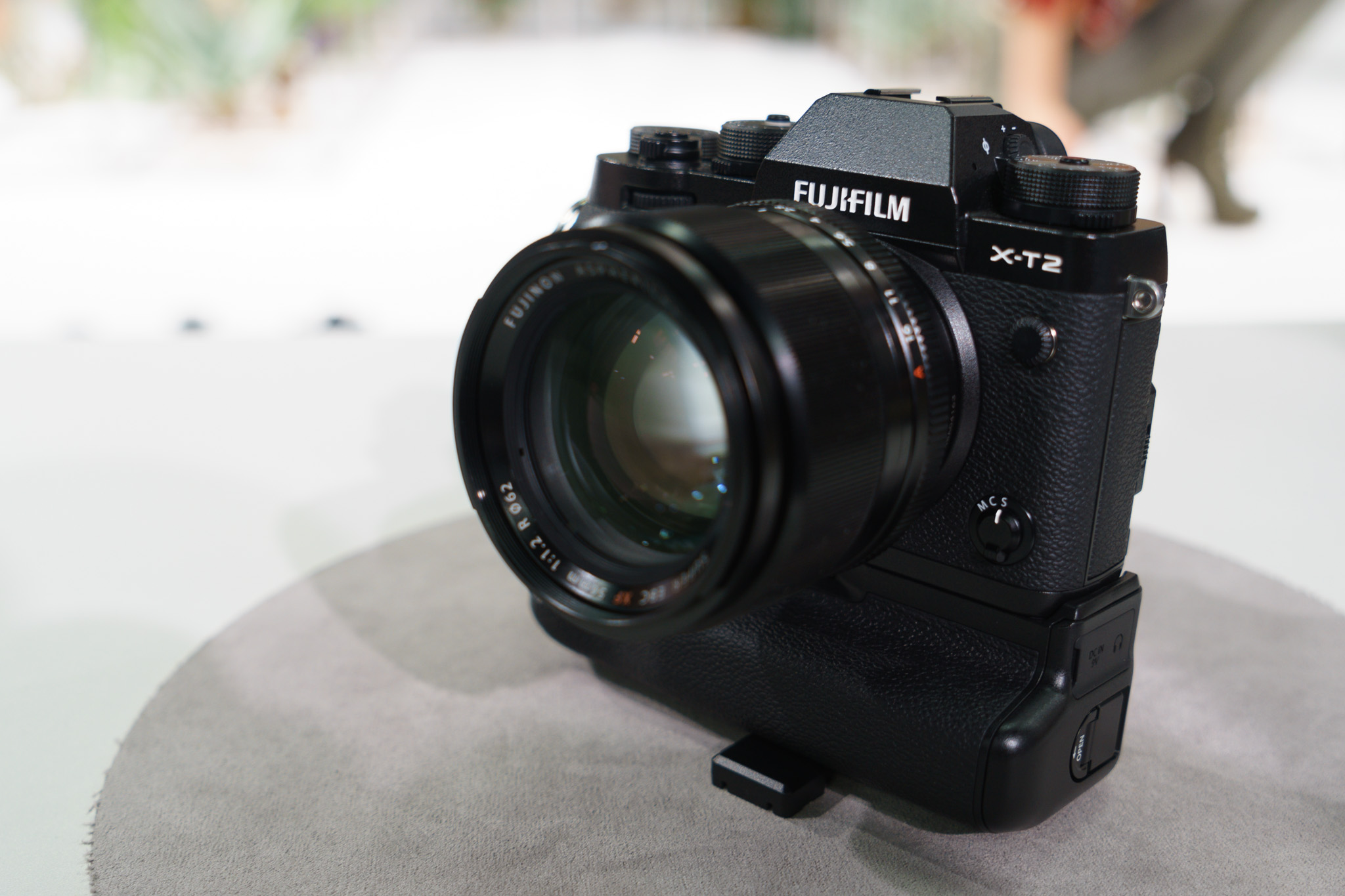Hands On With The Fuji X T2 Analog Senses Fujifilm Xt2 Body Only T1 Was Already An Excellent And Subtle Improvements Like These Will Make Using Even Better
