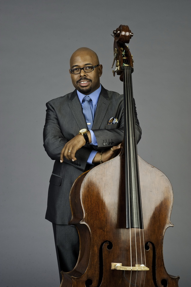 2016葛萊美最佳獨奏音樂獎得主克里斯汀麥克布萊領銜低音大提琴三重奏樂團,明晚極速登台