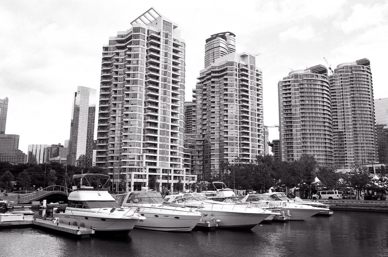Toronto Harbourfront Boat Mooring