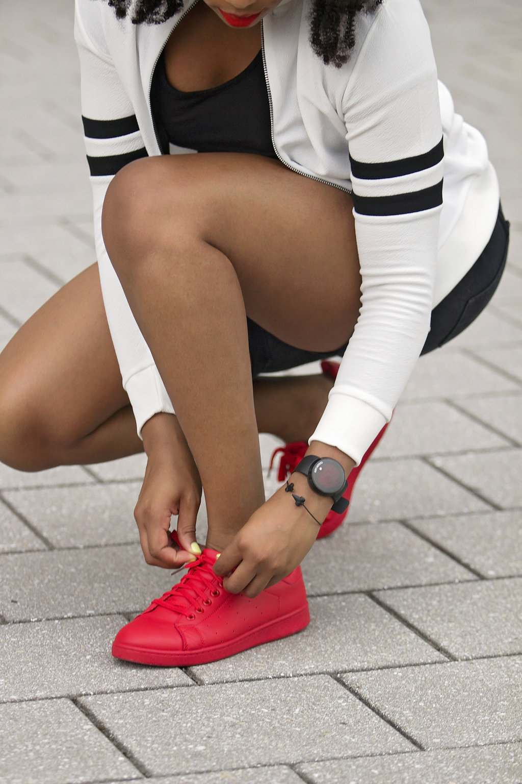how to wear red trainers, the beauty beau