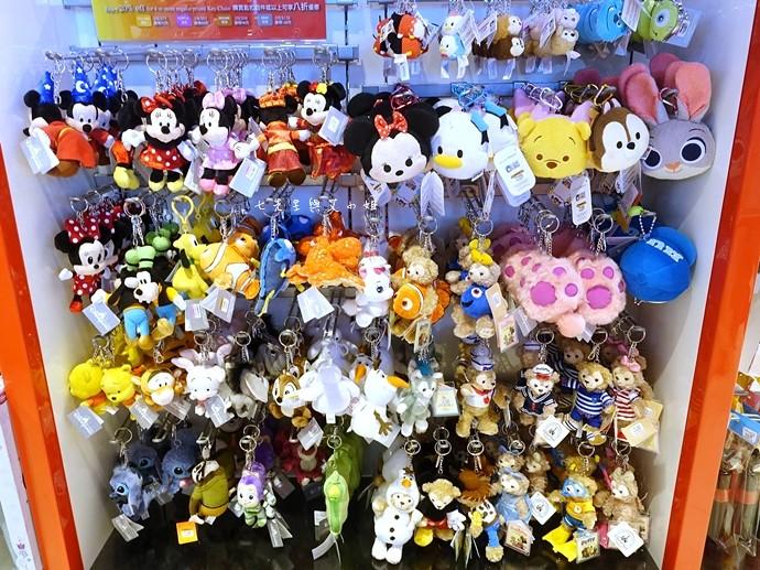49 香港機場 迪士尼奇妙店 買達菲熊免進迪士尼樂園