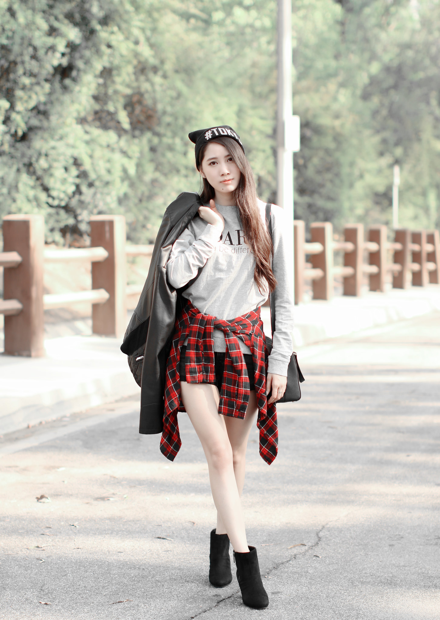 0657-sporty-chic-sweatshirt-ootd-fall2016-autumn-ulzzang-korean-fashion