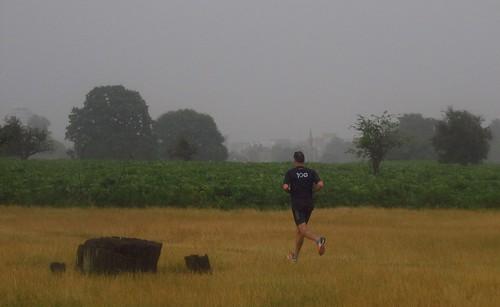 Heavy rain clearing towards Kingston at 10am