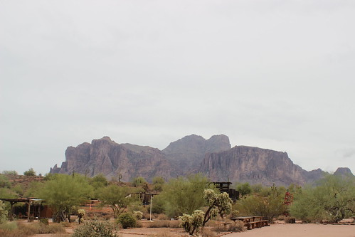 Superstition Mountain T3I 090716 (5)