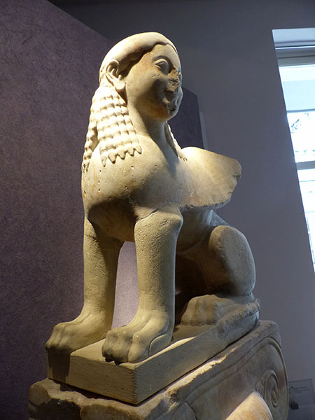 le sphinx de la Porte Sacrée