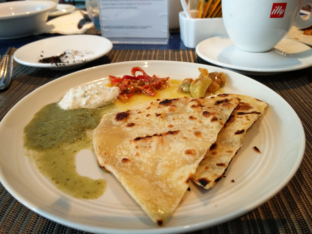 Indian roti and chutney