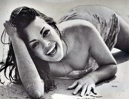 Mlle Corinna Tsopei (Grèce) - 1964