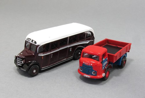 N gauge road vehicles