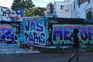 Osage Alley Murals - Vas a Paris