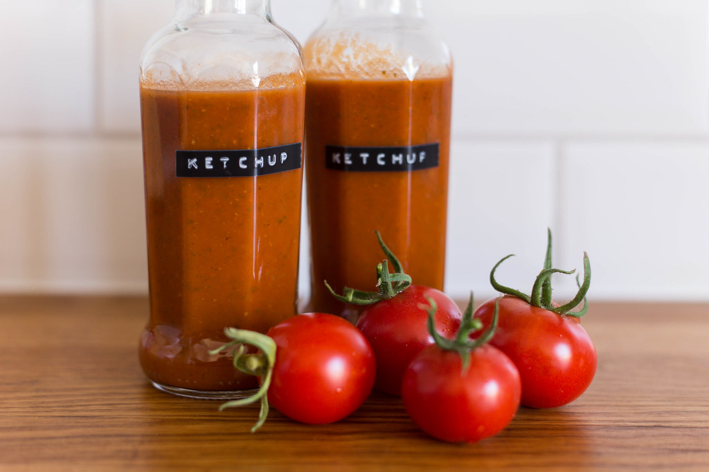 Homemade ketchup by Anna María