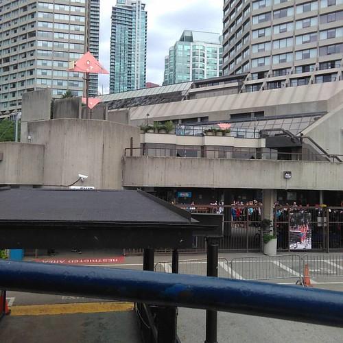Looking back #Toronto #Torontoislands #jacklaytonferryterminal #westinharbourcastle