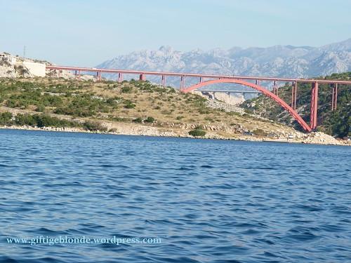 Maslenica, Brücke