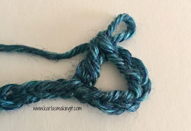 The Free Crochet #SuperScarf Pattern from Karla's Making It www.karlasmakingit.com