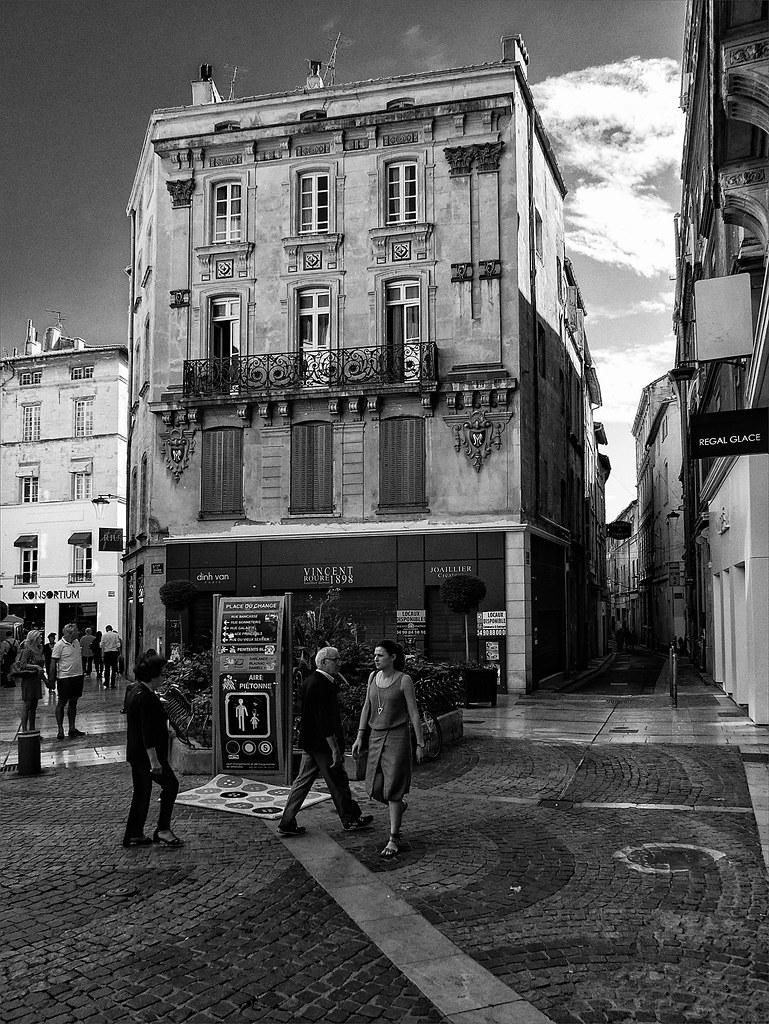 Avignon, dans les rues 29730173633_ecdc2645a8_b