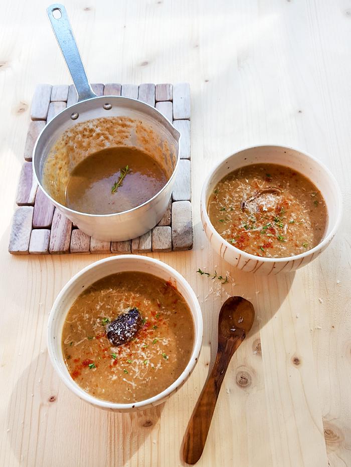 Zuppa ai funghi con paprika