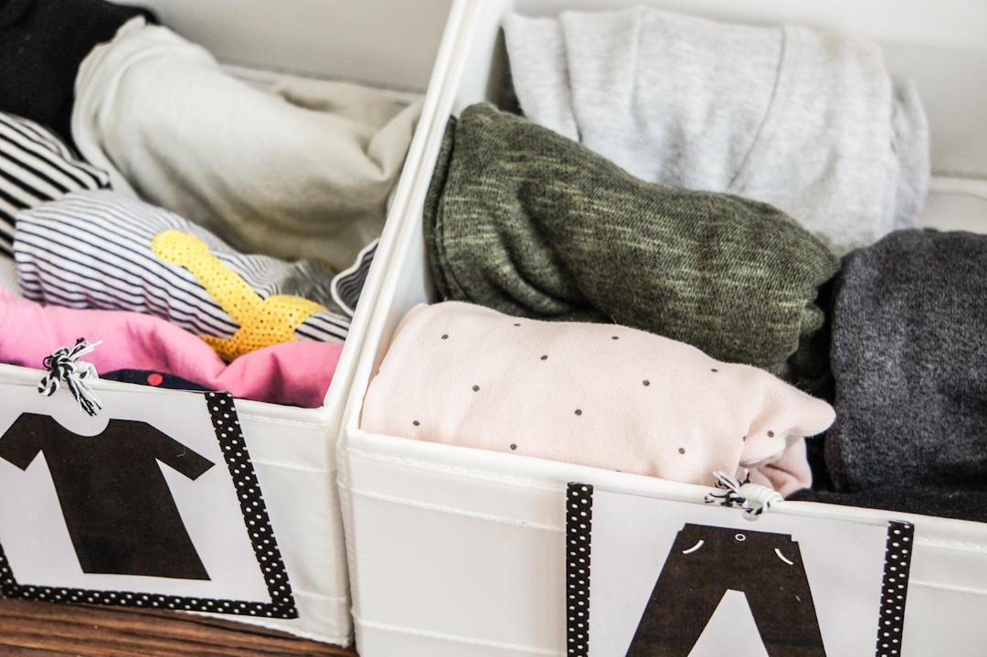 szafa na ubrania w stylu Montessori