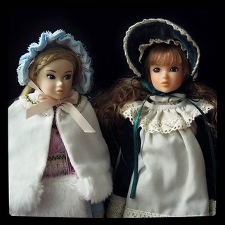 Two #Momoko dolls in victorian outfits, for #365days project, 239/365