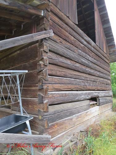 Dovetail Corner Barn