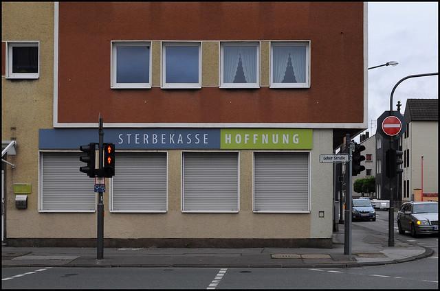 Sterbekasse Hoffnung, Einbahnstraße, rote Ampel