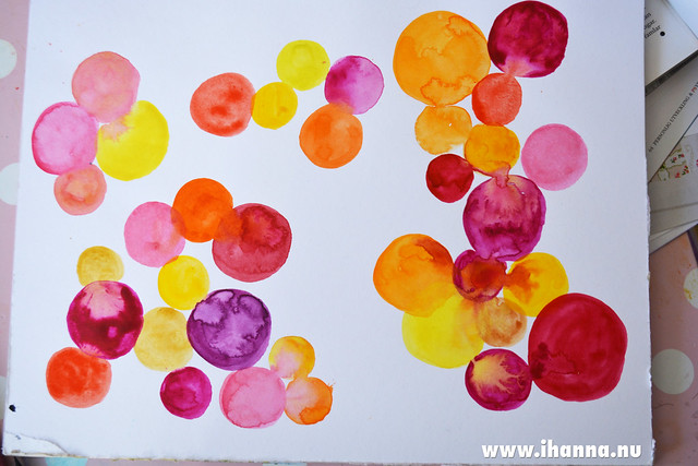 Flowing Circles in watercolors painted by iHanna, Sweden