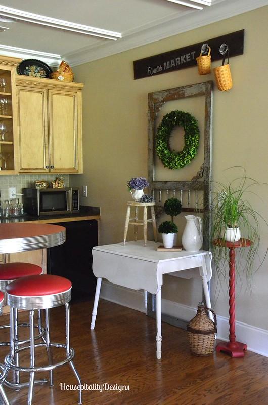 Kitchenette in Media Room - Housepitality Designs