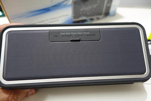 Anypro ポータブルBluetoothスピーカー IP67防塵防水 【4400mAh 全音域が自然のバランスで持続再生】 高質マイク内臓 NFC、Siri対応 デュアルドライバー臨場感 HFD-895