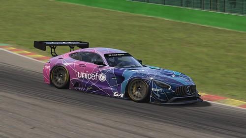 Mercedes AMG GT3 - Unicef (2)
