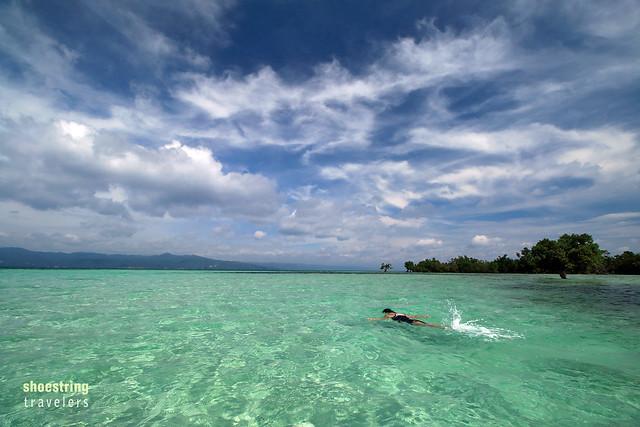 swimming at the Yang-In sandbar at high tide