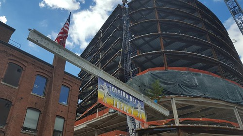Installation of Final Steel Beam at 100 Binney Topping Off Ceremony