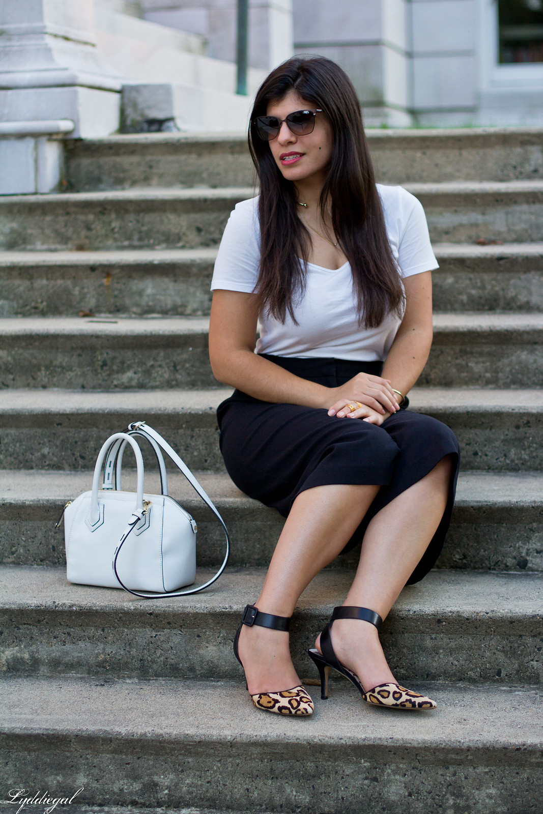 black culottles, white tee, leopard pumps, white bag-9.jpg