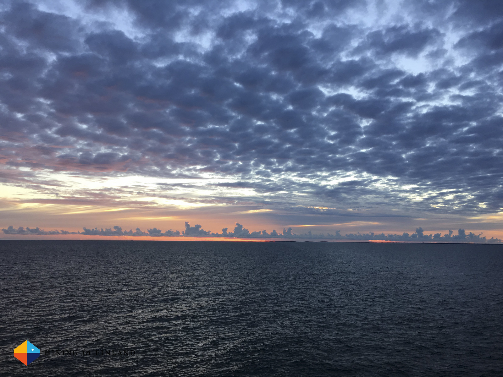 Cloudporn over the Baltic.