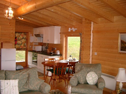 Log cabin with hot tubs spittal of glenshee 16 log Log cabins with hot tubs scotland