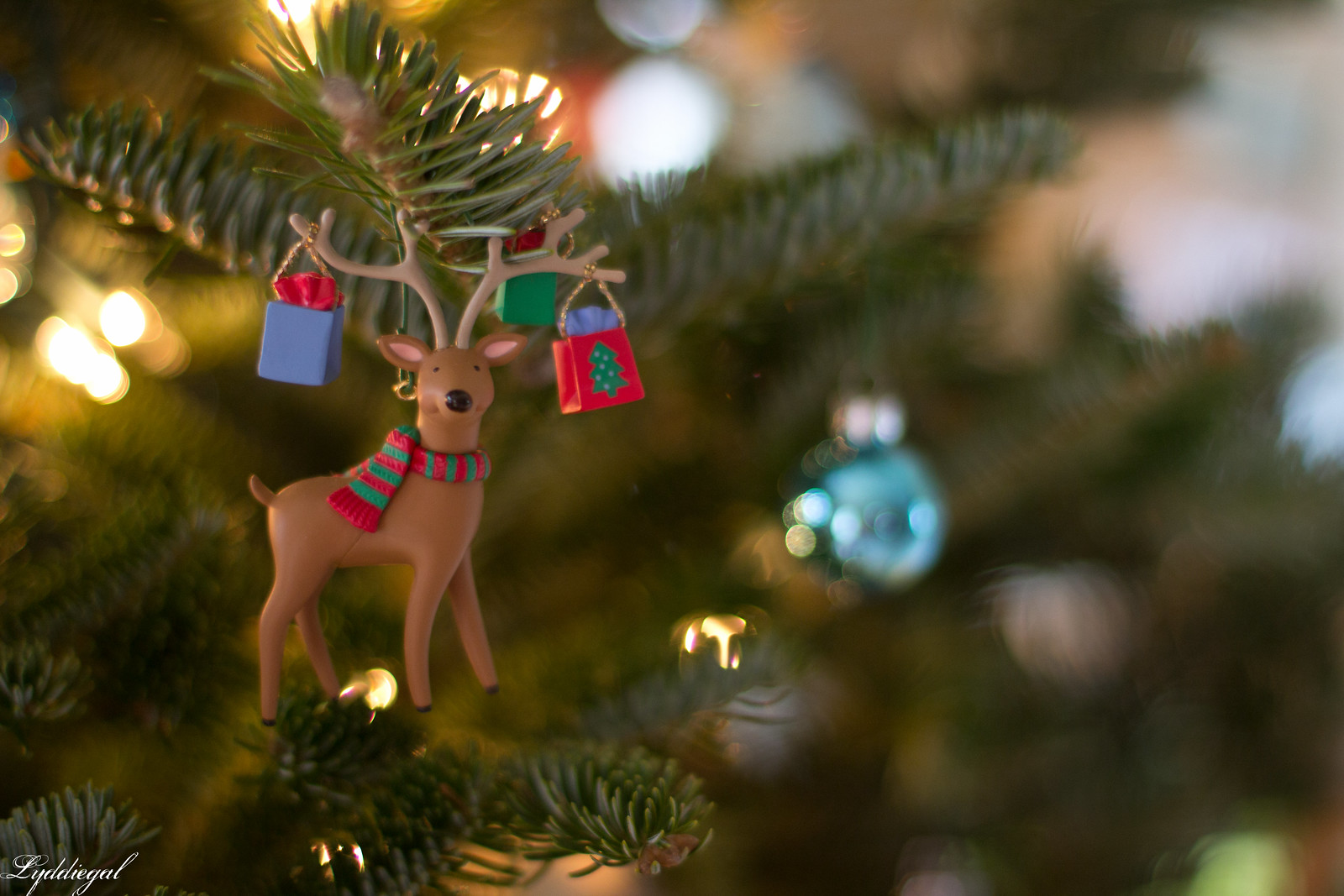 Little Shopper Reindeer Ornament.jpg