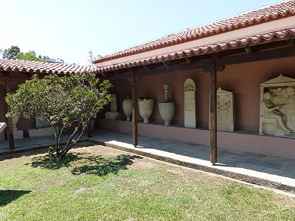patio du musée du Céramique