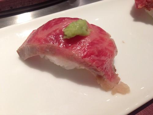 hyogo-kobe-tanryu-kobe-beef-nigiri-medium-fatty-beef