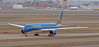 Vietnam Airlines / Airbus A350-941 / F-WZFC