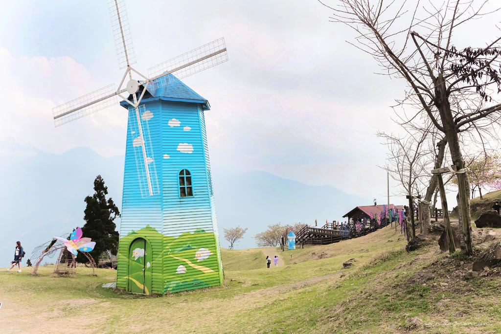 cingjing-farm-windmill