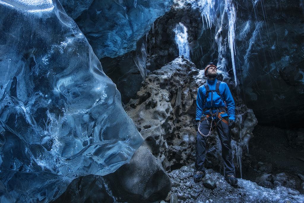 AV02 AV04 ulio (Islandia) - Aventura helada - Tomada en Waterfall Ice Cave el 28032016