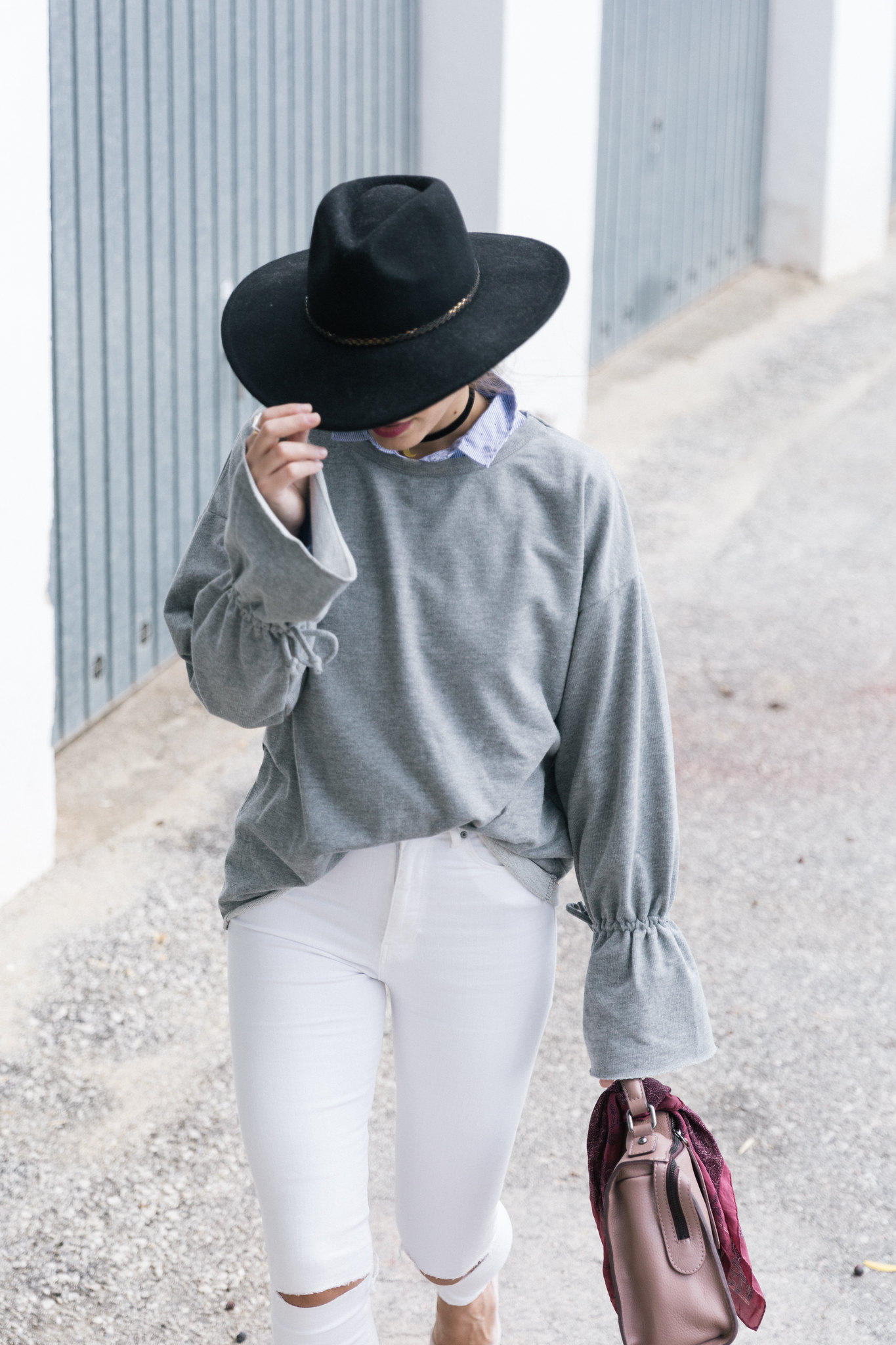 Jessie Chanes Seams for a desire - Flared Sleeves Sweatshirt high wasted white jeans-4