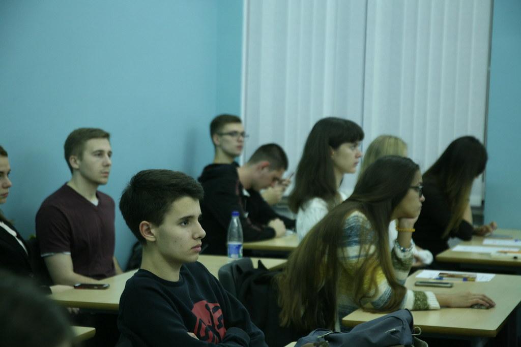 Компания Bain & Company провела мастер-класс по решению кейсов для студентов ВШМ СПбГУ