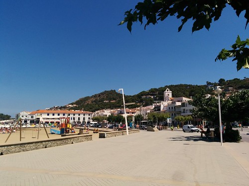 Another view of El Port de la Selva, just before we left for Cadaqués.