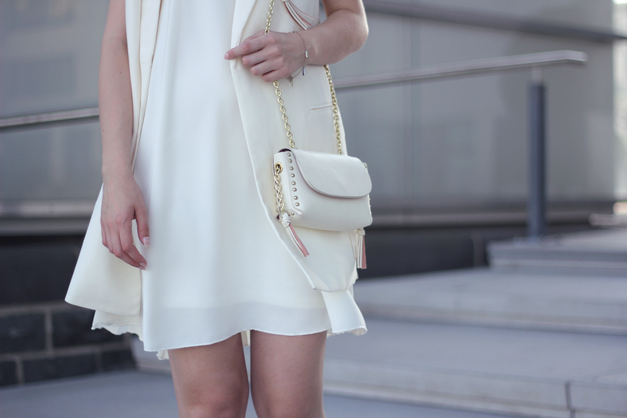 outfit all white river island kleid mexx weste zara schultertasche goldene details and other stories armband