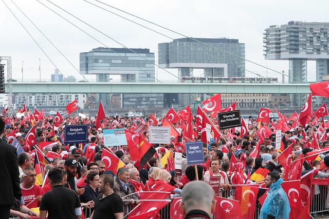 Erdogan-Demo-Köln-31-07-2016-Deutzer-Werft (20)